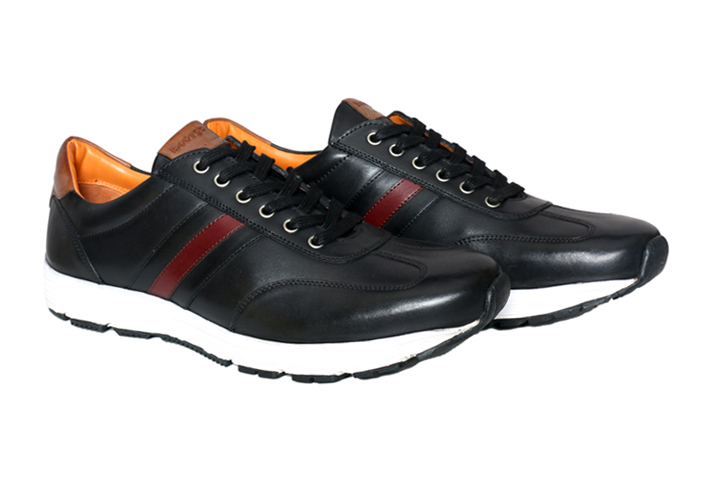 Real Leather Men Black Light Weight Sneaker